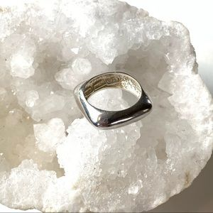 SQUARE SILVER RING SIZE 7